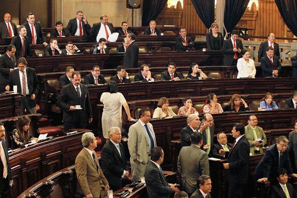 El Congreso finaliza el primer periodo de sesiones sin aprobar leyes en beneficio de la población. (Foto Prensa Libre: Estuardo Paredes).