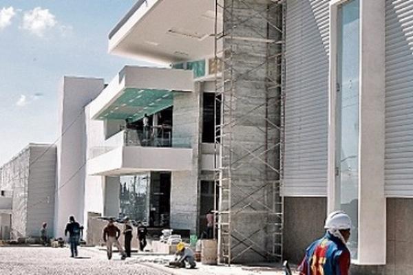 <p>El lugar tiene un área construida de 24 mil metros cuadrados y parqueo para 500 vehículos.</p>