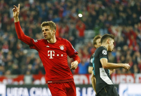 Thomas Múller tuvo un gran partido y festejó con todo. (Foto Prensa Libre: AP)