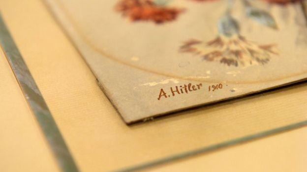 """Adolf Hitler pintó un ramo de claveles en esta acuarela que llamó """"Nelkenstrauss"""". GETTY IMAGES"""