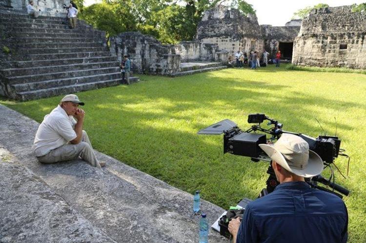Vista de la plaza de Tikal.