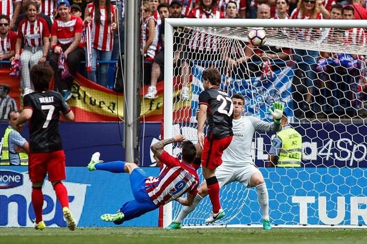 El Atlético de Madrid disputó su último partido en el mítico estadio Vicente Calderón. (Foto Prensa Libre: AFP).