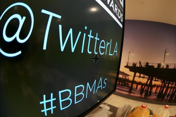 Twitter lanzó Moments, que ayuda a resaltar las historias principales que están siendo tuiteadas. (Foto Prensa Libre: AFP)