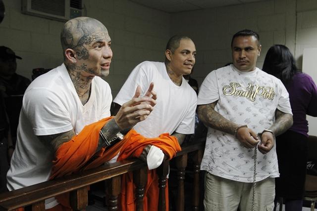Las autoridades han efectuado allanamientos masivos para capturar a docenas de pandilleros. (Foto Prensa Libre: Hemeroteca PL)