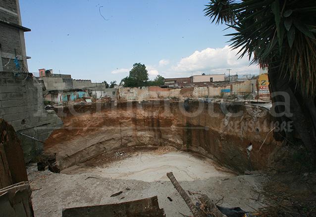 El agujero fue llenado con lodocreto, un trabajo que llevó varios meses.  (Foto: Hemeroteca PL)