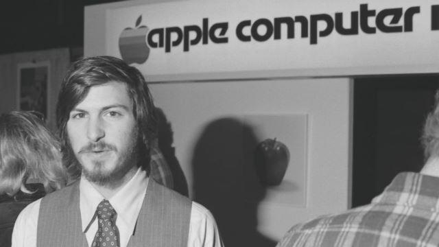 Jobs, en su juventud. La historia de su vida y de cómo llevó a Apple al éxito ha servido de inspiración para muchas personas en todo el mundo. (Foto: Hemeroteca PL).