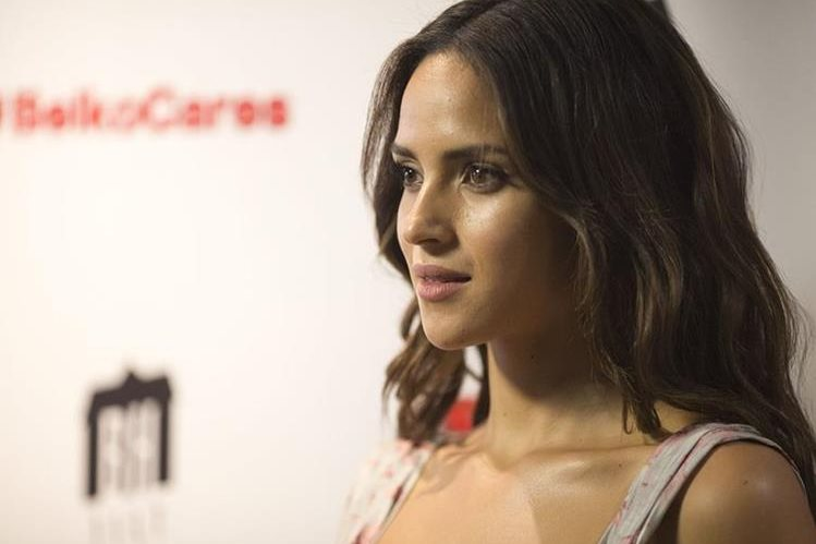 Adria Arjona continúa creciendo como actriz, obteniendo papeles en la televisión y el cine (Foto Prensa Libre: EFE).