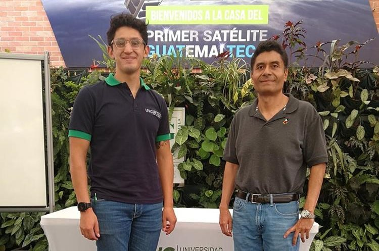 Rodrigo Valdés y Víctor Ayerdi lideran el proyecto junto a un grupo de la Universidad del Valle de Guatemala -UVG-.(Foto Prensa Libre: Jessica González).