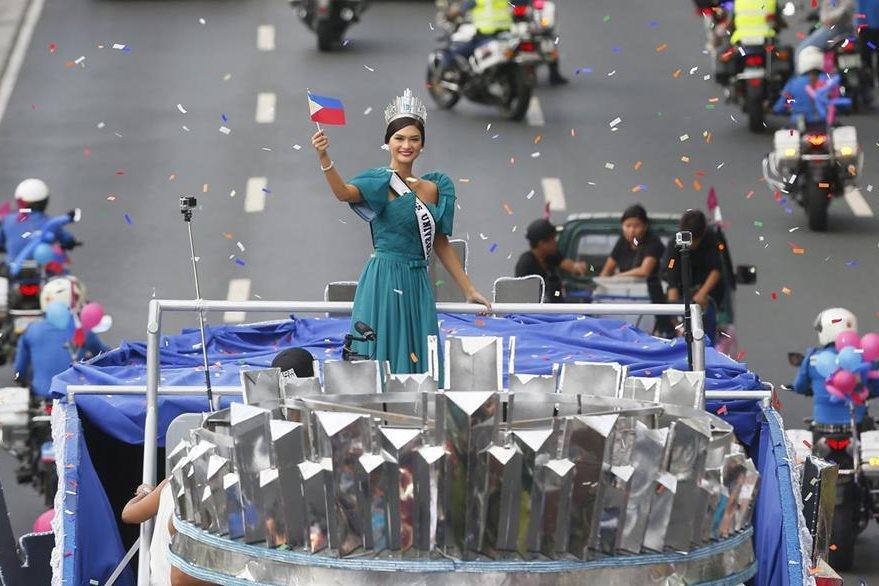 Pia Alonzo llegó a Filipinas el fin de semana y fue recibida con regocijo por sus compatriotas. (Foto Prensa Libre: AP)