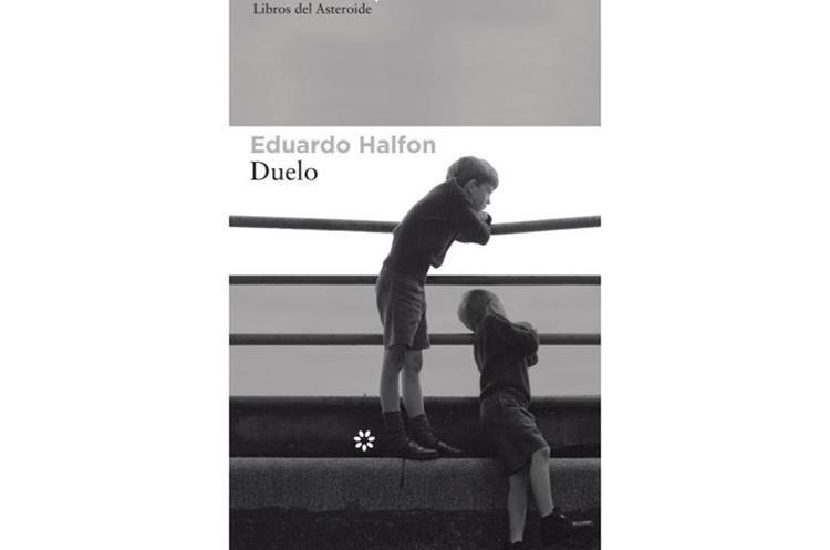 Duelo (2017) es una de las novelas más exitosas de Eduardo Halfon (Foto Prensa Libre: Libros del Asteroide).