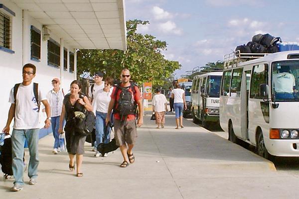 Según el Inguat, la obligación de regular el transporte de turistas se basa en el Acuerdo Gubernativo 225-2012 de la Ley Orgánica de ese Instituto.