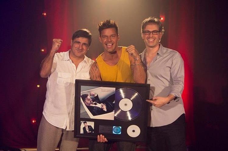 Ricky Martin ha vendido más de 100 mil copias del álbum A quien quiera escuchar. (Foto Prensa Libre: Sony Music)