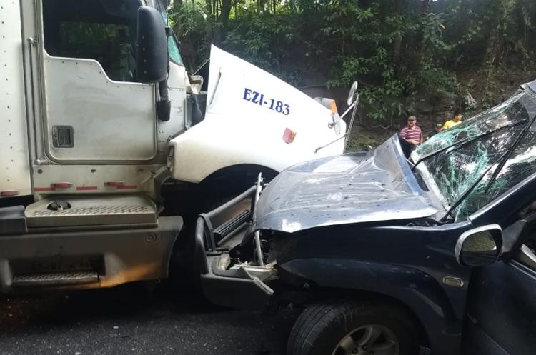 Accidente del lunes último en el km 198 de la ruta al Atlántico. (Foto Dony Stewart).
