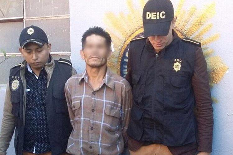 Autoridades capturaron a Florencio Genovevo Urizar Barrios, en Quiché, acusado de asesinato y asociación ilícita. (Foto Prensa Libre: Héctor Cordero)