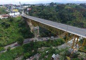 En el puente removerán un estribo y en su lugar instalar un sismo resistente