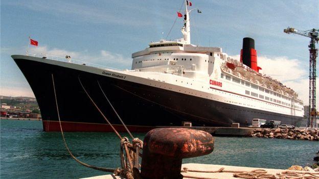 En esta imagen de 1996 lo vemos amarrado en un puerto de Marsella. ANNE-CHRISTINE POUJOULAT