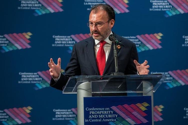 Luis Videgaray habla durante la cumbre de Centroamérica en Miami, Florida.(EFE).
