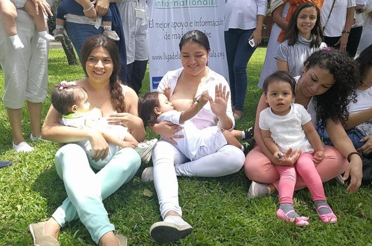 La actividad busca promover la lactancia materna. (Foto Prensa Libre: Brenda Martínez)