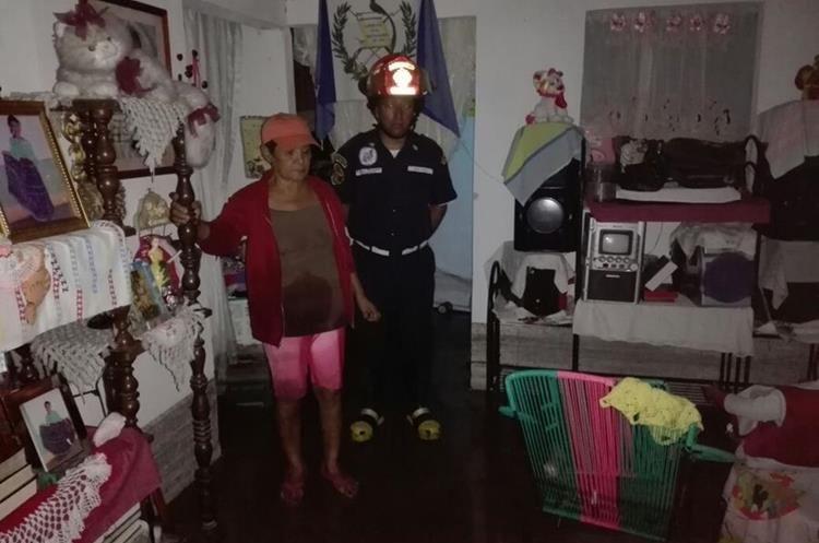 Varias casas del centro de Guastatoya, El Progreso, fueron dañadas por las inundaciones. (Foto Prensa Libre: Hugo Oliva)