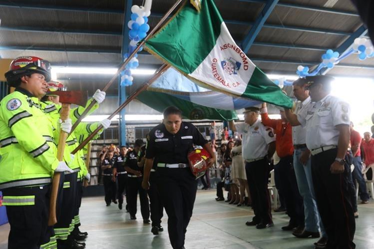 Acto de graduación de los nuevos socorristas en Ipala, Chiquimula. (Foto Prensa Libre: Edwin Paxtor).