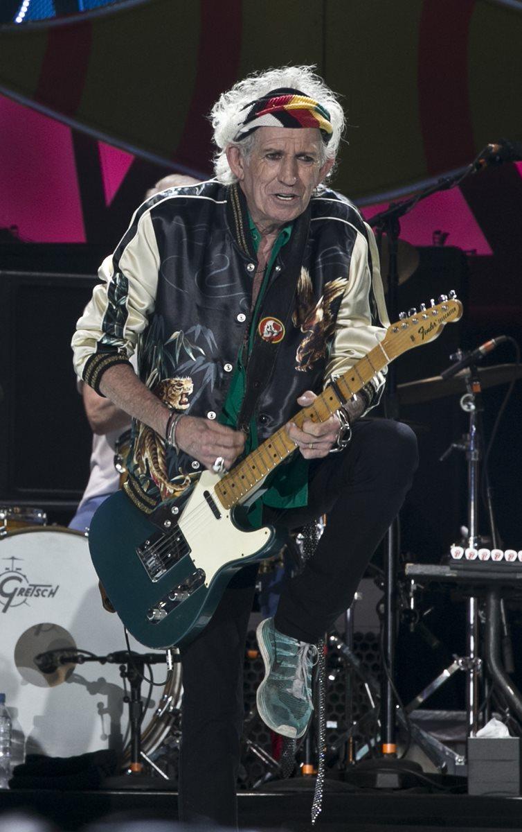 Keith Richards dejó boquiabiertos a los asistentes con su arte musical. (Foto Prensa Libre, AP)