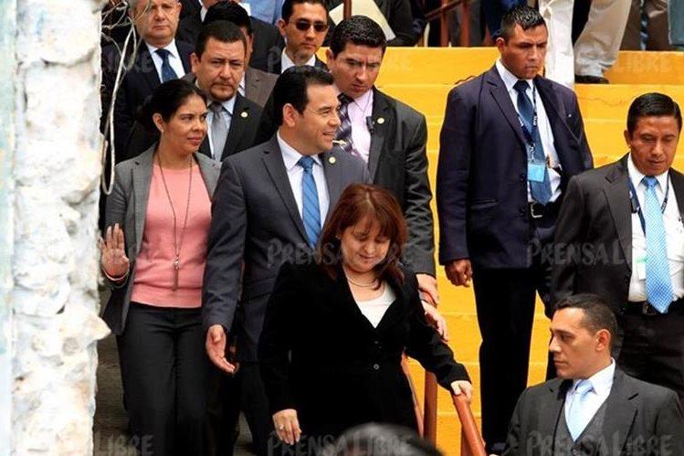 Varios artículos de uso personal del presidente y obsequios fueron comprados con fondos públicos asignados a la SAAS. (Foto Prensa Libre: Hemeroteca PL)