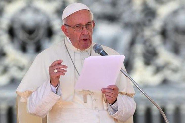 El papa Francisco se pronunció hoy sobre la tragedia que ocurrió en el Hogar Seguro Virgen de la Asunción. (Foto Prensa Libre: AFP)