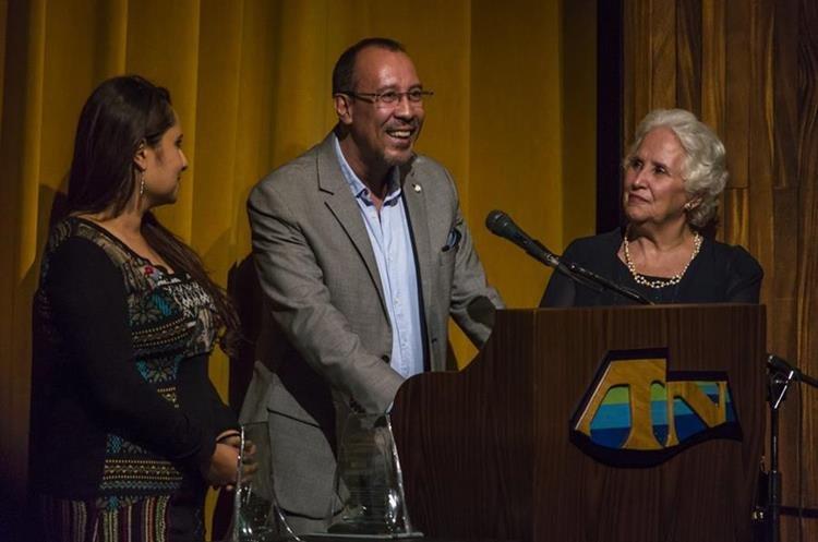 La familia de Hugo Carrillo fue reconocida.