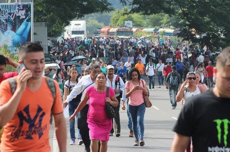 En el Boquerón, Santa Rosa, el bloqueo inició a las 6 de la mañana.