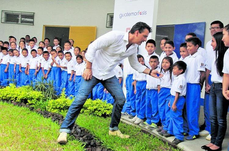 Ricardo Arjona confía en la educación y apoya a varios guatemaltecos. (Foto Prensa Libre: Hemeroteca PL)