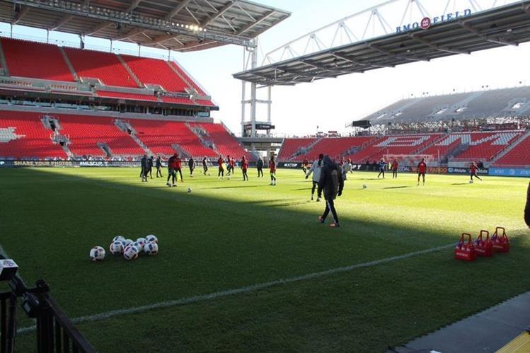 Los jugadores de Toronto no quieren dejar nada a la suerte y se preparan con intensidad. (Foto Prensa Libre: Twitter)