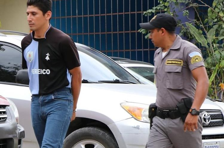 El sujeto fue capturado el año pasado acusado de femicidio. (Foto Prensa Libre: Rigoberto Escobar)