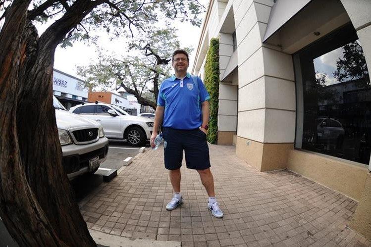 El español Tomás de Dios guió a la Selección Nacional de Futsal al título de Uncaf el fin de semana anterior. (Foto Prensa Libre: Francisco Sánchez)