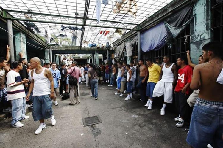 Uno de los objetivos es reducir el hacinamiento en las cárceles del país. (Foto Prensa Libre: Hemeroteca PL)