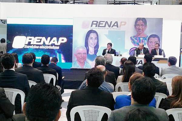Autoridades del Renap presentan la aplicación para celular. (Foto Prensa Libre: Renap).