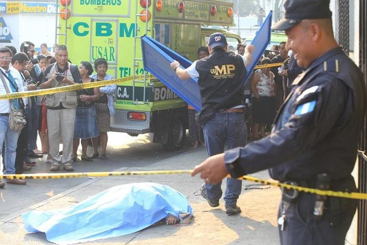 Los homicidios de mujeres continúan al alza. (Foto Prensa Libre: Hemeroteca PL)