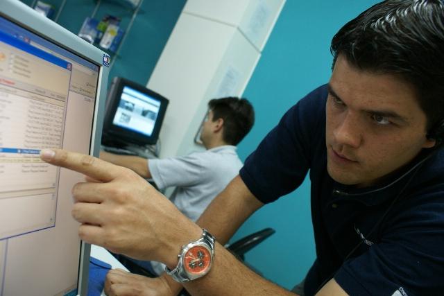 El mercado laboral se enfrenta a un cambio de modalidad, frente al uso de las computadoras. (Foto Prensa Libre: Hemeroteca PL)