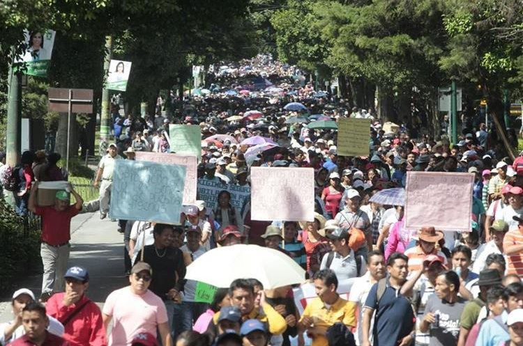 Maestros informaron que manifestarán el lunes próximo. (Foto Prensa Libre: Hemeroteca PL)