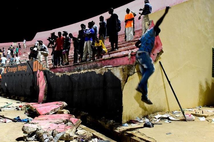 El estadio Demba Diop fue el escenario de la tragedia en Senegal. (Foto Prensa Libre: AFP)