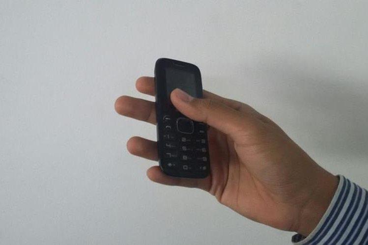 Por robar un celular un hombre fue condenado a seis años de cárcel —imagen ilustrativa—. (Foto Prensa Libre: Carlos Álvarez)
