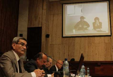 El testigo por videoconferencia —al fondo—, durante su relato en el juicio por genocidio mencionó al presidente Otto Pérez Molina.
