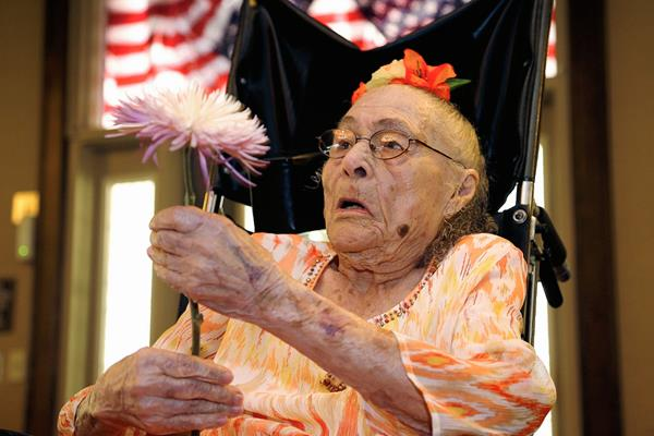 Weaver, la mujer más longeva del mundo murió este lunes en Arkansas. (Foto Prensa Libre: AP)