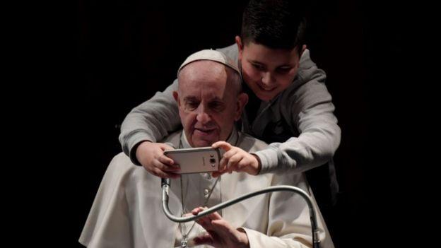 """Un grupo de cardenales ha cuestionado al Papa por su exhortación apostólica Amoris laetitia (""""La alegría del amor""""), un documento que intenta abrir nuevos caminos para los divorciados católicos. AFP/GETTY IMAGES"""