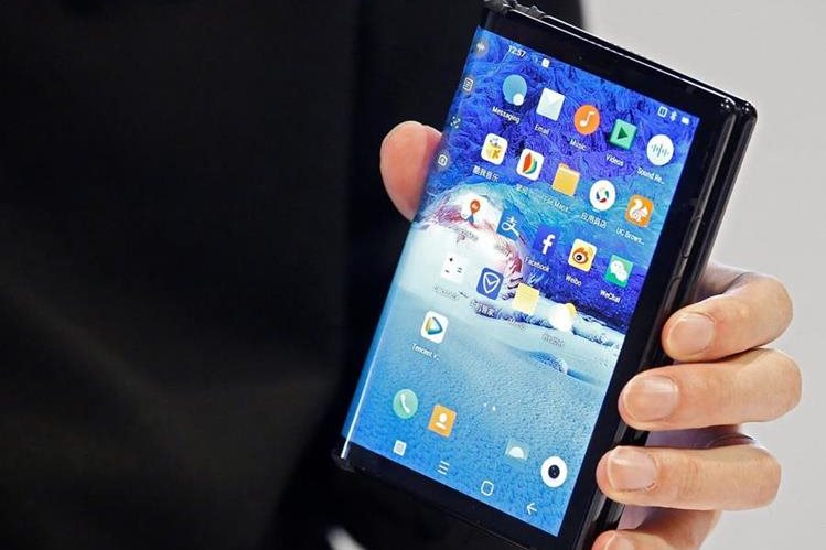 Royole's new flexible FlexPai phone was unveiled at CES (Free Press Photo: EFE).