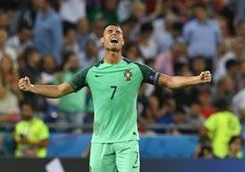 Cristiano Ronaldo celebra eufórico el boleto de Portugal a la gran final de la Eurocopa 2016 (Foto Prensa Libre: AFP)