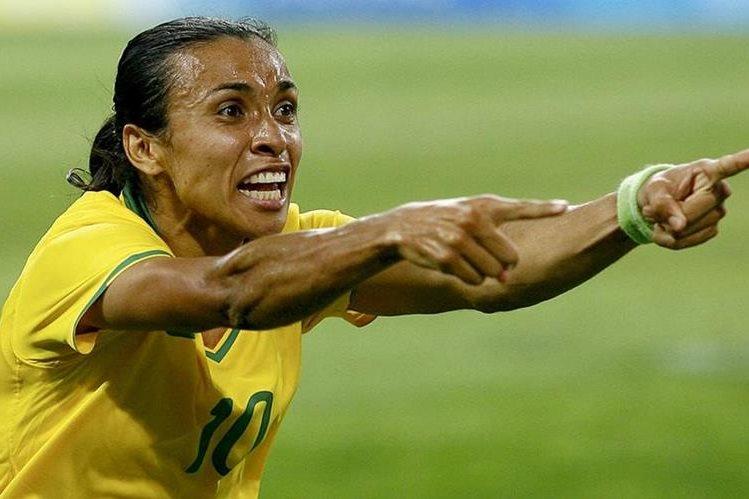 Marta Vieira da Silva ha disputado cinco torneos olímpicos de futbol femenino con la selección brasileña. (Foto Prensa Libre: AFP).