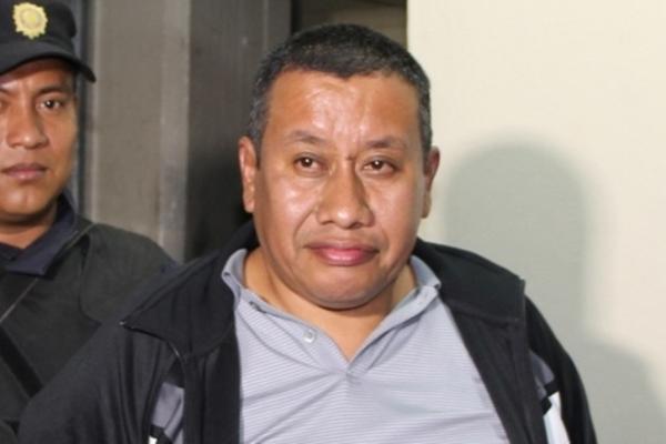 Un hombre sindicado de ser el presunto cabecilla de una estructura del narcotráfico, fue capturado en un sector de Chinautla. (Foto Prensa Libre: PNC)