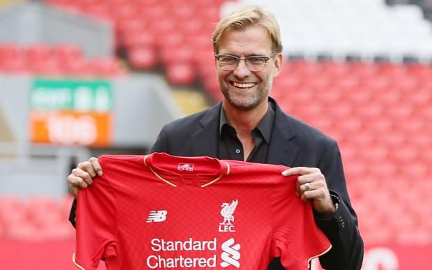 Jürgen Klopp está a cargo del Liverpool, y espera que se entrene Gerard. (Foto Prensa Libre: Hemeroteca)