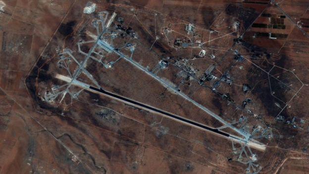 Rusia dice que los misiles tan sólo 23 de los 59 misiles alcanzaron la base aérea siria de Shayrat, en la region de Homs, Siria. Esta foto fue tomada en octubre de 2016. THE PENTAGON
