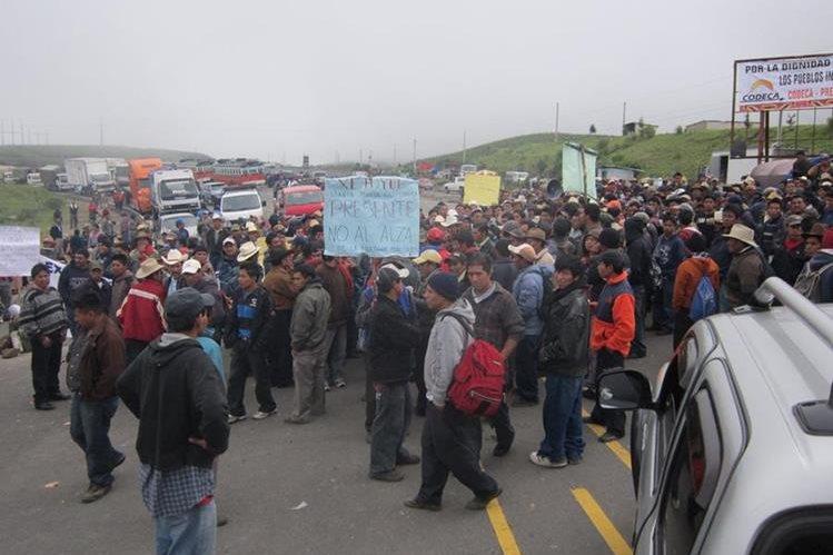 Bloqueos y protestas tienen origen en la desigualdad, según informe. (Foto Prensa Libre: Hemeroteca PL)